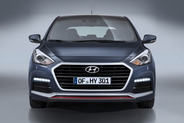 Hyundai i30 Turbo_2015_01