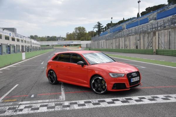 Neuer Audi RS3 2015 - Bild 002
