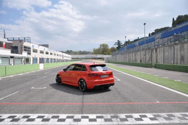 Neuer Audi RS3 2015 - Bild 006