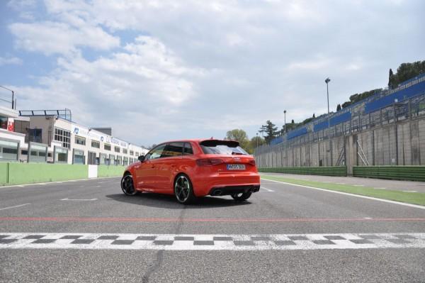 Neuer Audi RS3 2015 - Bild 007