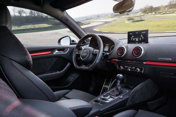 Neuer Audi RS3 2015 - Bild 012