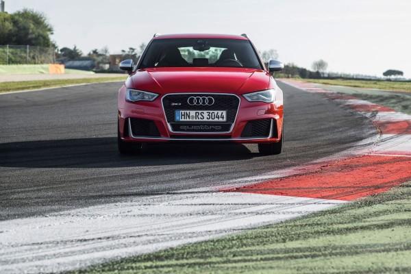 Neuer Audi RS3 2015 - Bild 013