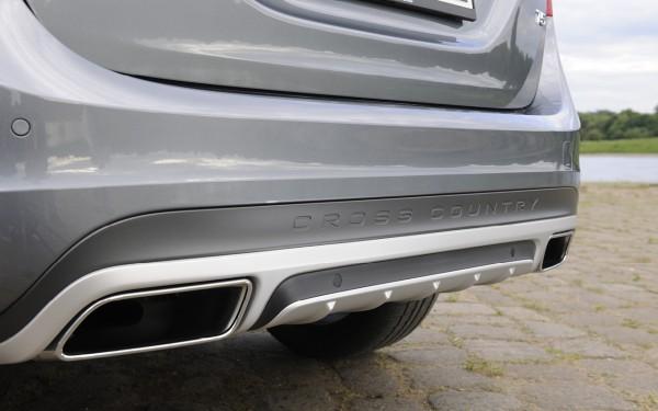 Volvo V60 Cross Country: Endrohre und Unterfahrschutz