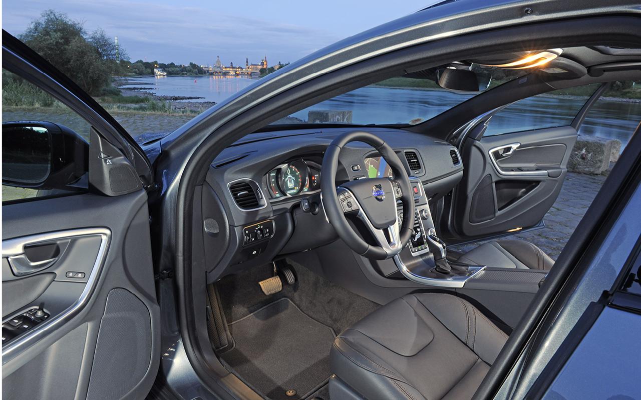 Eine Idee höher: Volvo S60 Cross Country und V60 Cross Country ...