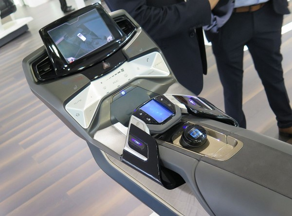Faurecia Cockpit der Zukunft