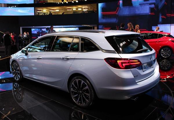 Neuer-Opel-Astra-Sports-Tourer-02