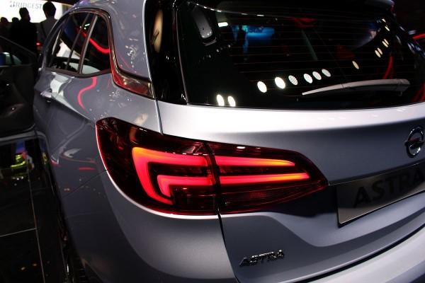 Neuer-Opel-Astra-Sports-Tourer-04