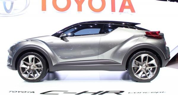 Toyota C-HR Concept 02
