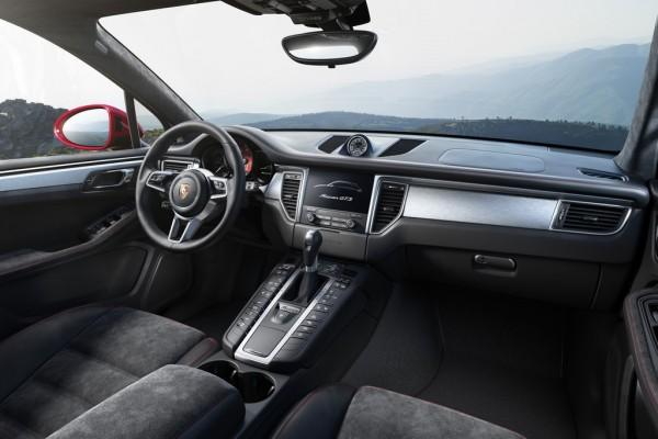 Porsche Macan GTS04