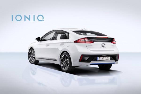 Hyundai Ioniq Hybrid_2016_02