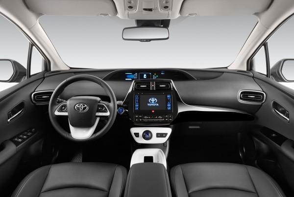 Toyota-Prius_2016_03