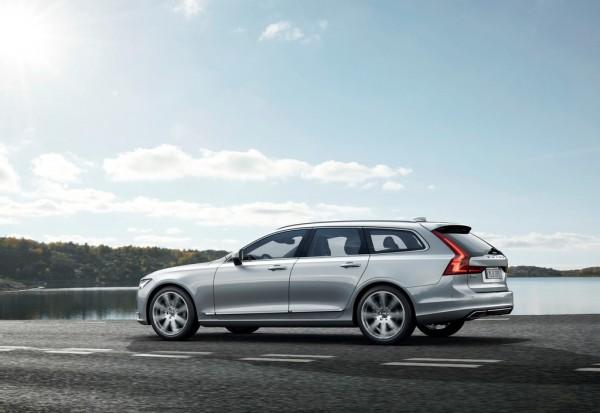 Volvo V90_2016_02
