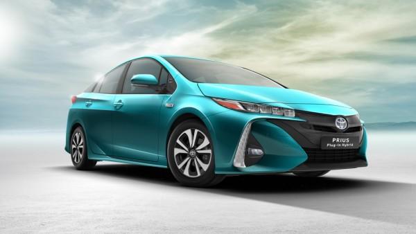 Toyota Prius Plug-In Hybrid_2016_01