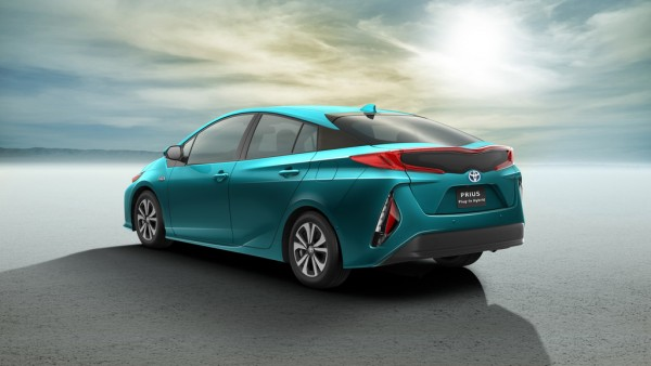 Toyota Prius Plug-In Hybrid_2016_02