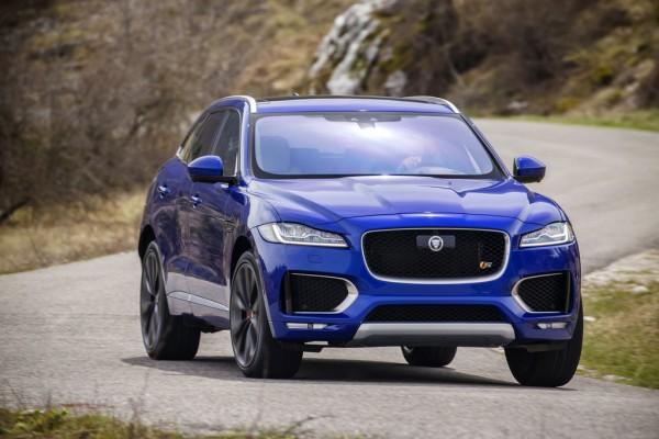 Jaguar F-Pace_2016_01