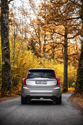 Volvo-XC90-T8_2016_01