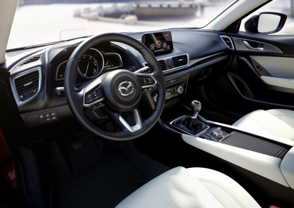Mazda 3_2016_03