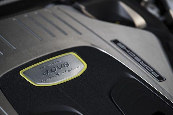 Porsche Panamera Turbo S E-Hybrid_2017_02