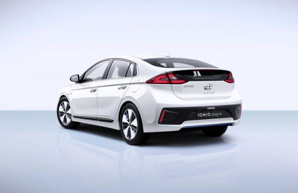 Hyundai Ioniq Plug-in-Hybrid_2017_02