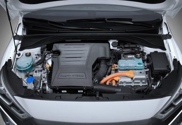 Hyundai Ioniq Plug-in-Hybrid_2017_03