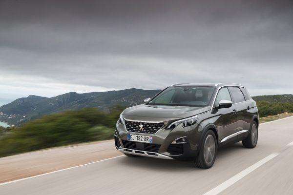 Peugeot-5008_2017_01