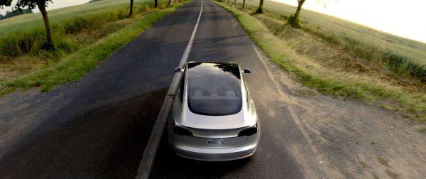 Tesla-Model-3_2017_02