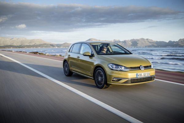 Volkswagen Golf 1.5 TSI_2017_01