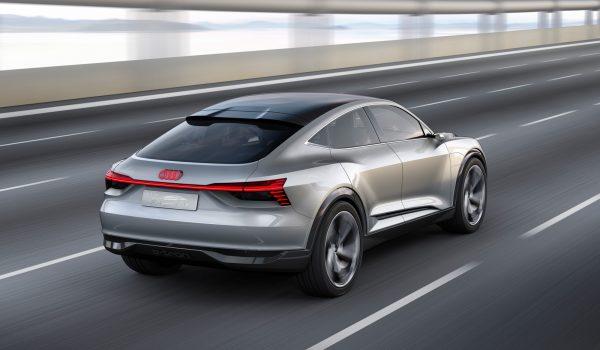 Audi-E-tron-Sportback-Concept_2017_02