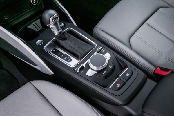 Audi-Q2__mmi