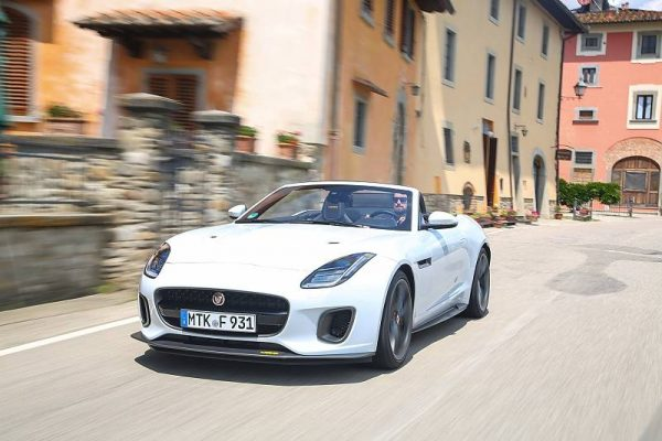 Jaguar F-Type 400 Sport_2017_01