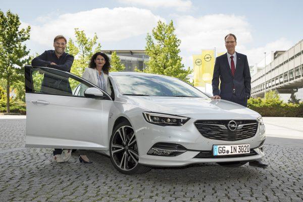 Jürgen-Klopp_Opel-Insignia_2017_01