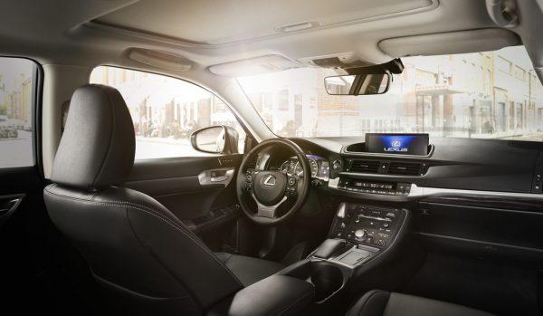 Lexus CT 200h_2017_02