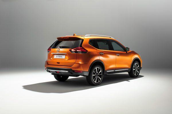 Nissan-X-Trail_2017_02