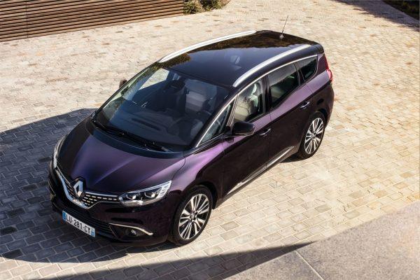"""Renault Scénic """"Initiale Paris""""_2017_01"""