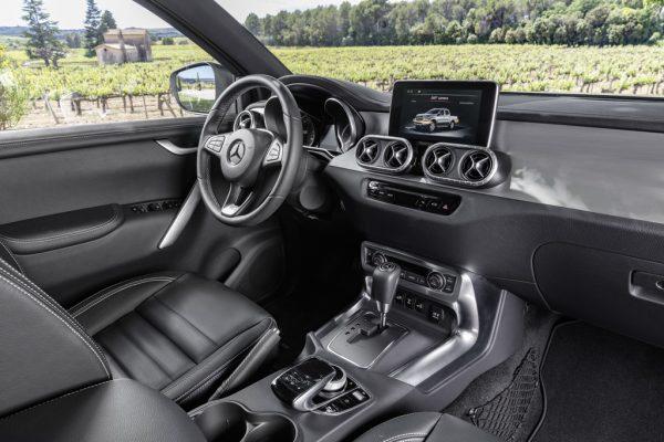 Mercedes-Benz X-Klasse_2017_03
