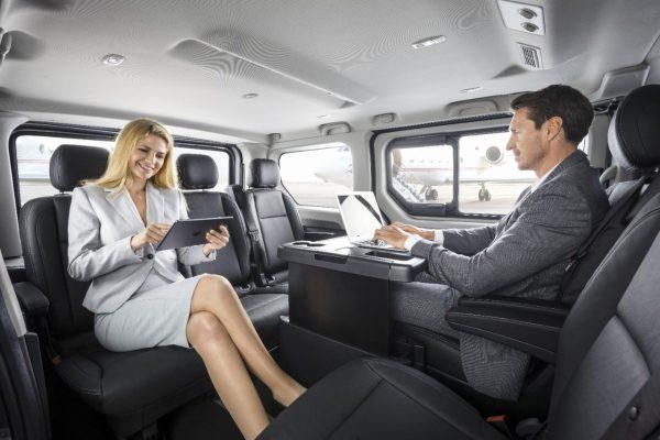 Opel Vivaro Tourer_2017_03