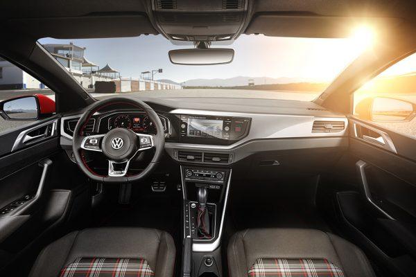 VW Polo GTI_2017_03