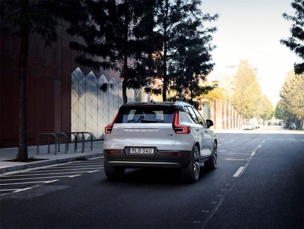 Volvo-XC40_2018_02