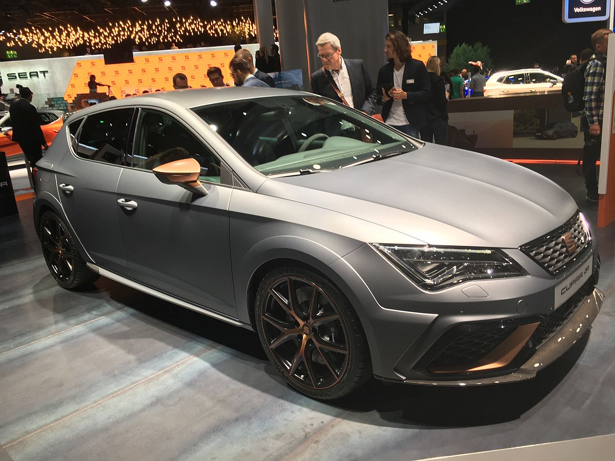 seat leon cupra r der st rkste seat aller zeiten feiert premiere auf der iaa 2017 automobil blog. Black Bedroom Furniture Sets. Home Design Ideas
