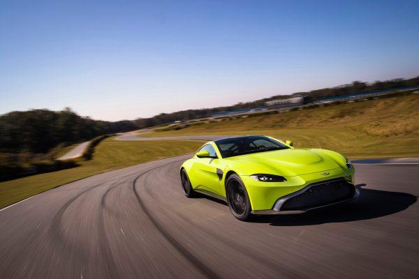 Aston-Martin-Vantage-V8_2018_01