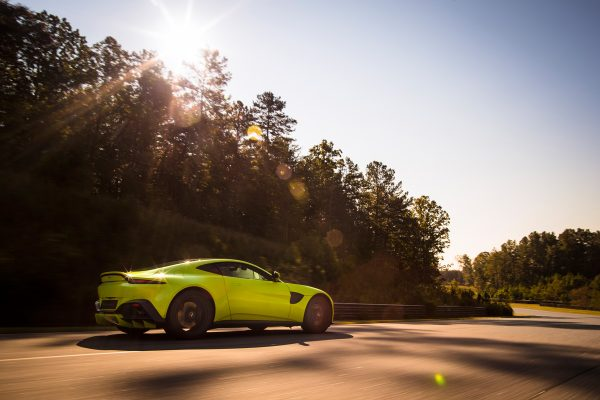 Aston-Martin-Vantage-V8_2018_02