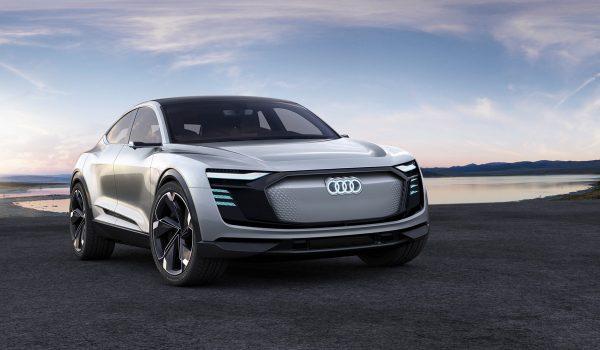 Audi-E-tron-Sportback-Concept_2017_03