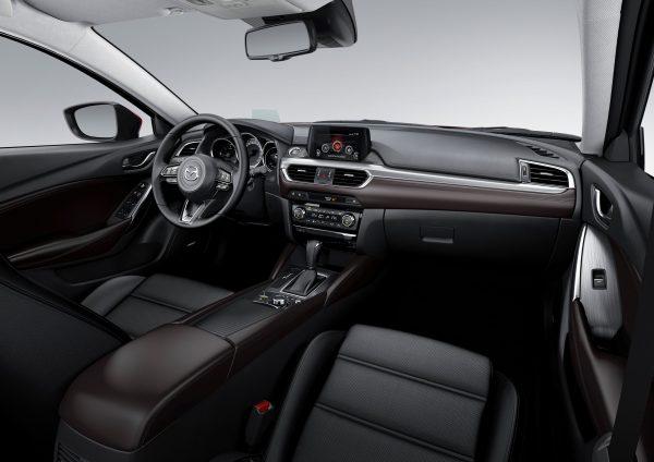 2017-Mazda6_Interior_11_lowres