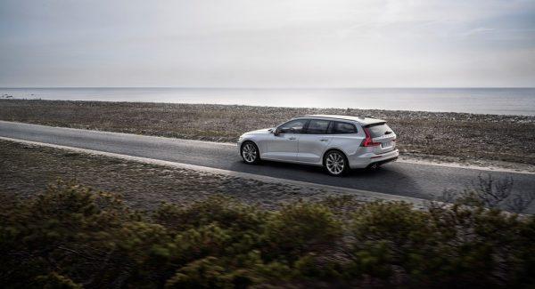 Volvo V60_2018_02