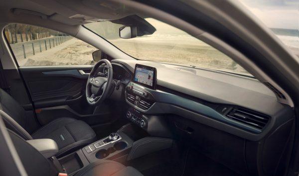 Ford-Focus_2018_03