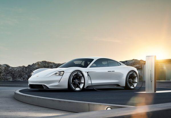 Porsche Taycan_2019_01