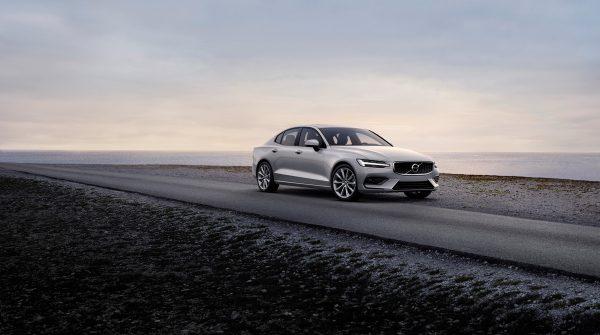 Volvo_S60_2019_01