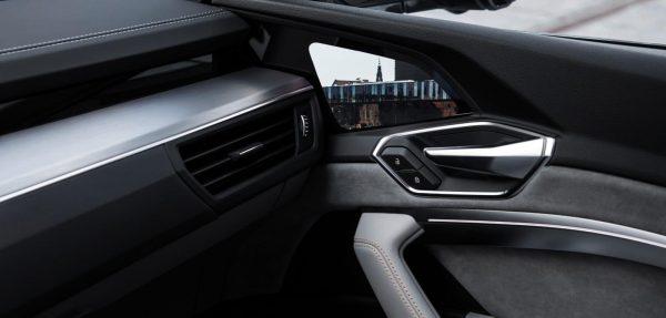 Audi E-tron_2019_01