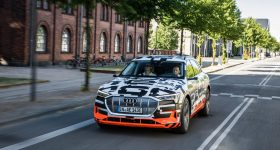 Audi-E-tron_2019_02