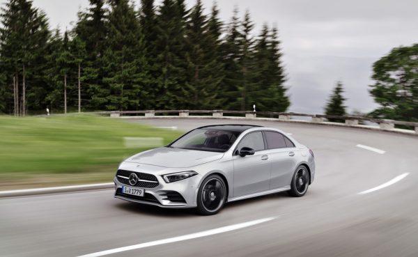 Limousine - Mercedes bringt A-Klasse als Stufenheck nach Europa